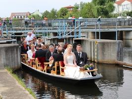 Hochzeitsfahrt mit dem Spreewaldkahn