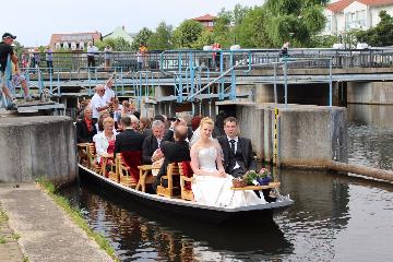 Hochzeitsfahrt im Spreewald